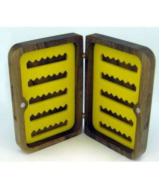 WOODEN BOX M-70 Size: 117 x 76 x 30 mm Capacity: 70 flies Weight: 90 g